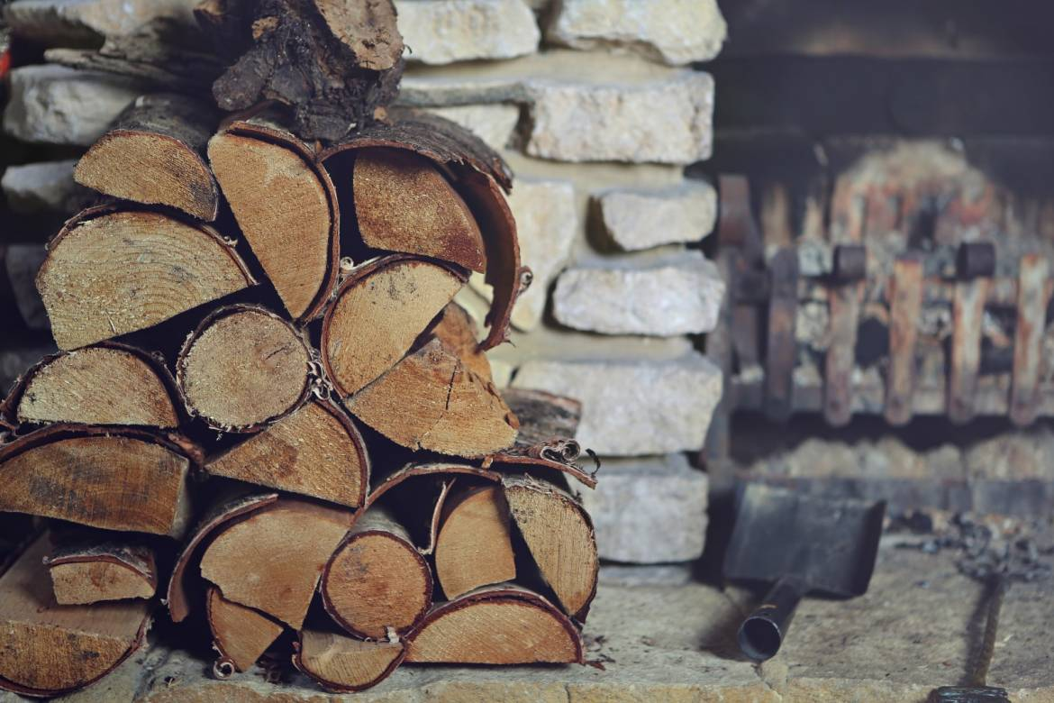 log-firewood-fireplace-2-–-koopia.jpg